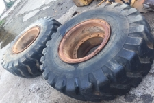 Caterpillar | 2 X USED TIRES 20,5-25